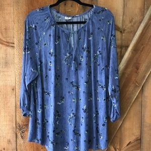 DC jeans blue floral top from Penningtons size 1X